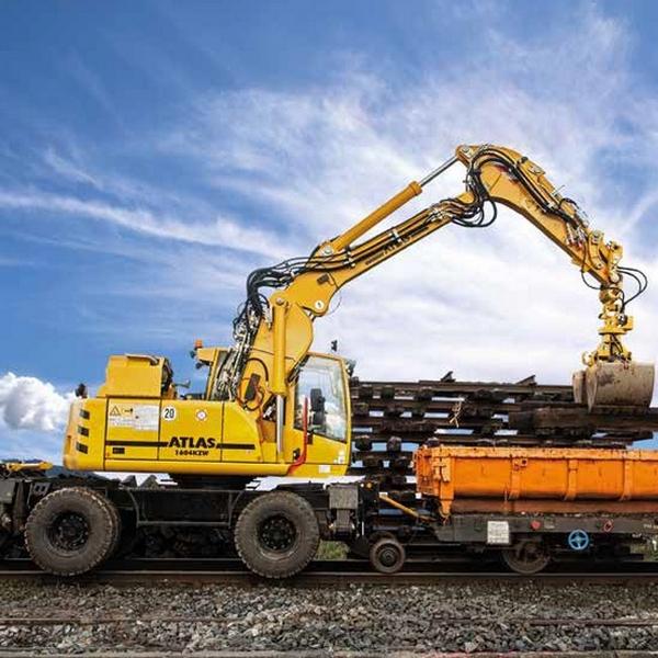 Excavatoare pentru calea ferata