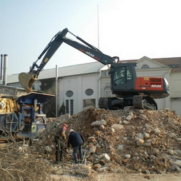 Excavatoare pe senile
